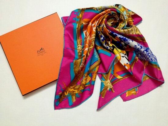 5 + idee per indossare il foulard